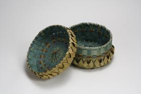 black ash basket - lidded 2.jpg